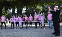 """.President Rivlin started the last kilometer run of the """"Gam Ani Ratza / I'm Running Too"""" race to mark Breast Cancer Awareness Month"""