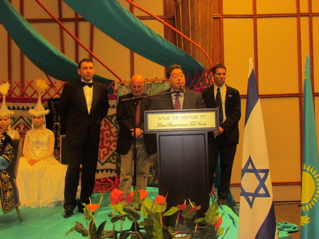 Minister Ben Eliezer at the podium