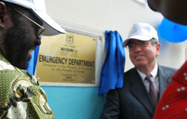 MASHAV Director Haim Divon at the ceremony marking the opening of the new ER facility built by Israel in Kisumu, Kenya. (Photo: MFA)